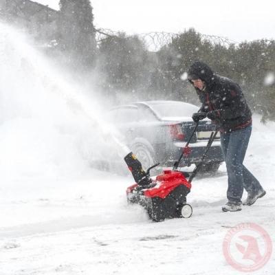 Снегоуборщик бензиновый, 4-х тактный INTERTOOL SN-4000
